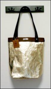 Złota torebka z washpapa